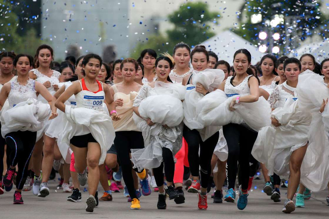 Brides To Be Participate In The 22running Of The Brides